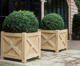 PLANO X wooden planter